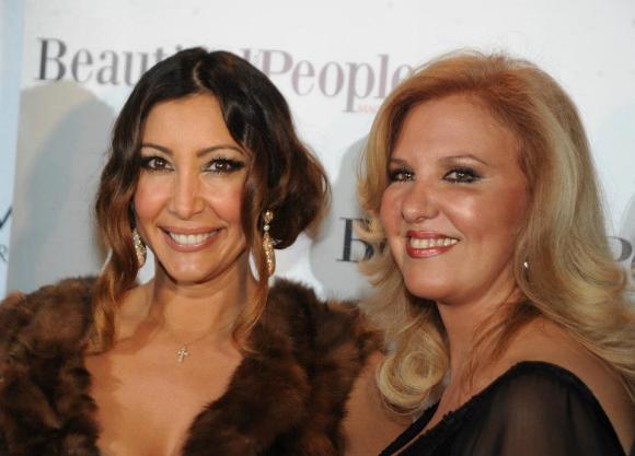 María Bravo y la anfitriona de la noche, Rosa Sánchez