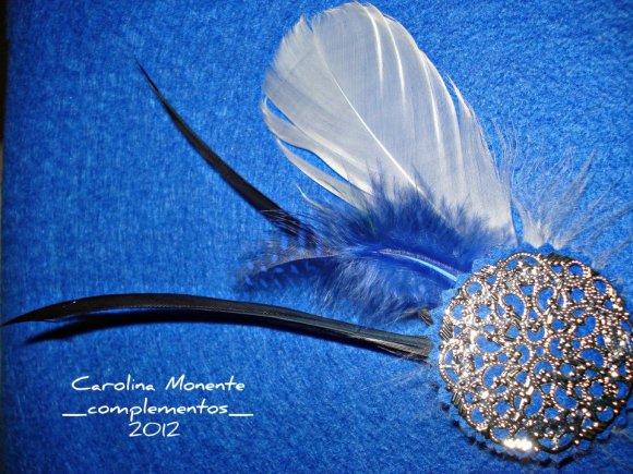 Broche y pasador de plumas de Carolina Monente Complementos